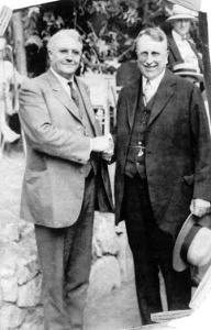 Harry Chandler (left) makes nice with bitter rival William Randolph Hearst (1930). Photo: LA Public Library / Herald Examiner Collection